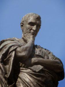 Fotografioe der Bronzestatue von Ovid (Ettore Ferrari, 1887)